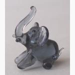 Ele. kl.sitzender Glaselefant 1