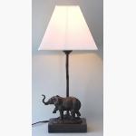 Ele. Tischlampe mit Elefantenskulptur
