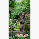 Ele. Ganesha im Garten